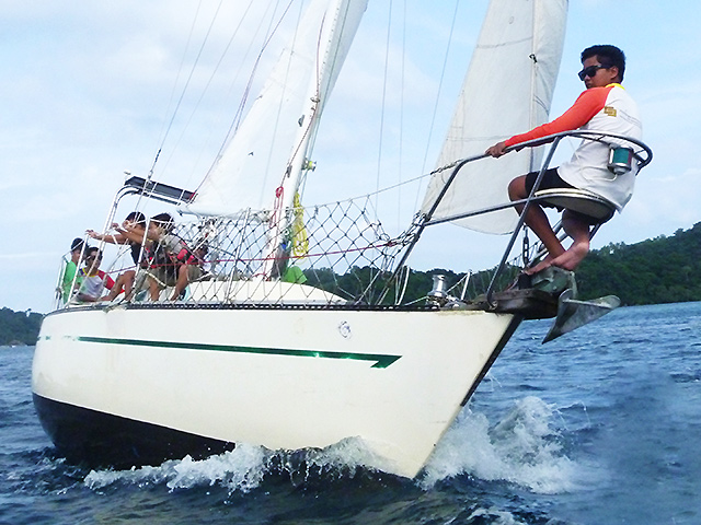 Yacht Charter Philippines Rent A Boat Boracay Puerto Galera Subic