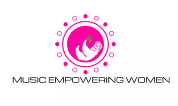 Music Empowering Women: A Photographic Anthology – Celebrating the Beauty of Community