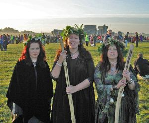 Three humans who didn't discover a bronze age burial site near Stonehenge.