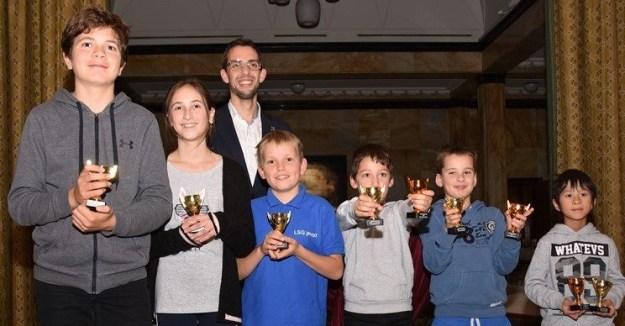 Team West, de winnaar van het stadsdelen toernooi 2019, georganiseerd door schaakclub Philidor Leiden.