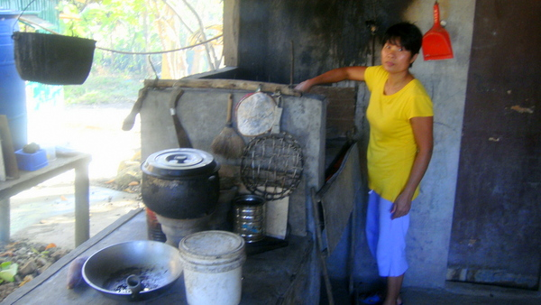 Small kitchens are big on cozy charm but can be difficult to keep them organized. Dirty Kitchens in the Philippines - Philippines Plus