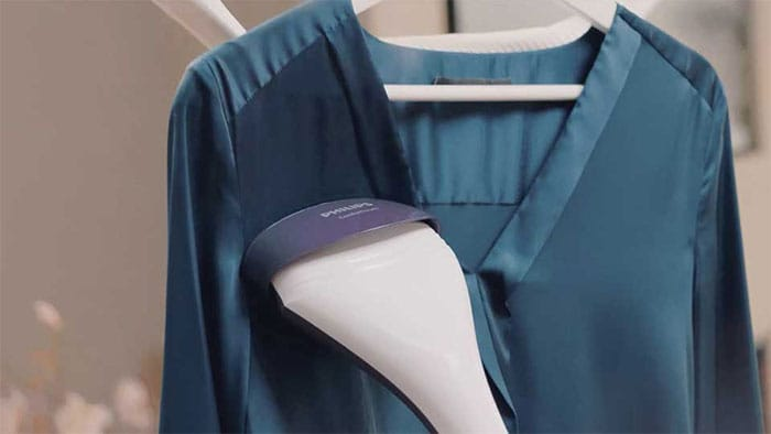 How to use a clothes steamer| Philips