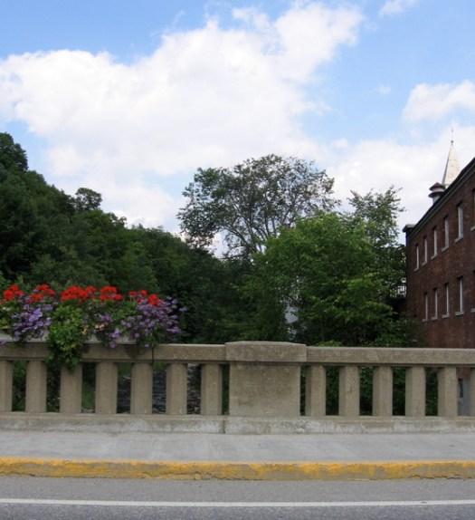 flowerbridge2.jpg