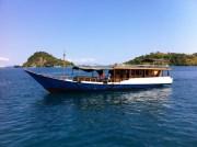 Bateau de plongée traditionnel