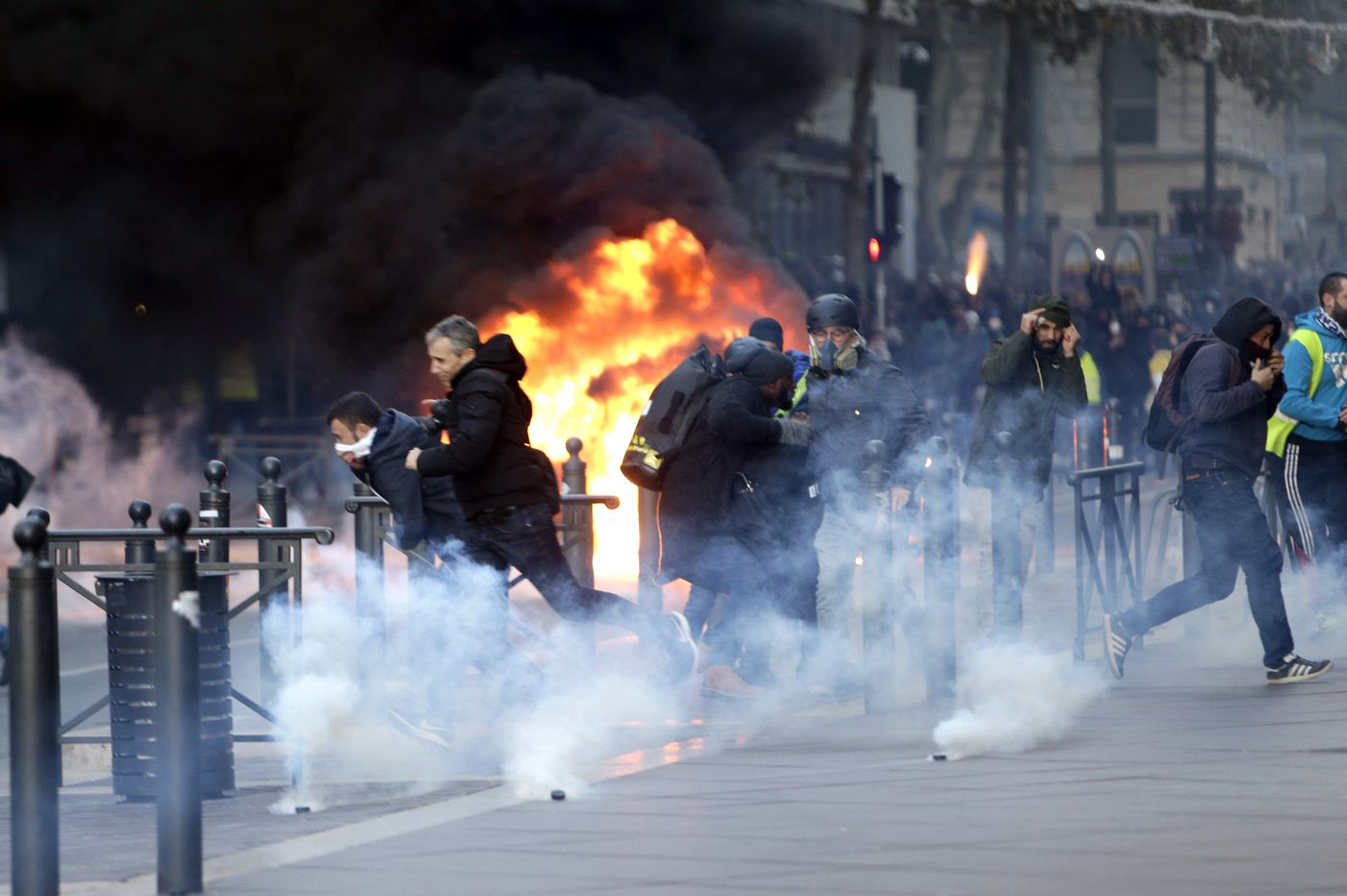 Is France showing us what America's next civil war will look like? | Will Bunch