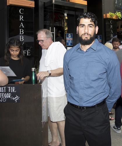 Ali Kobeissi, Crabby's Cafe