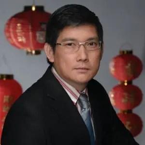 "Richard Yap in ""My Binondo Girl"""
