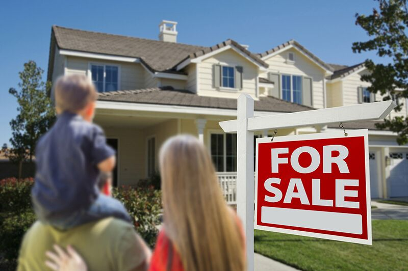 family looking at home for sale