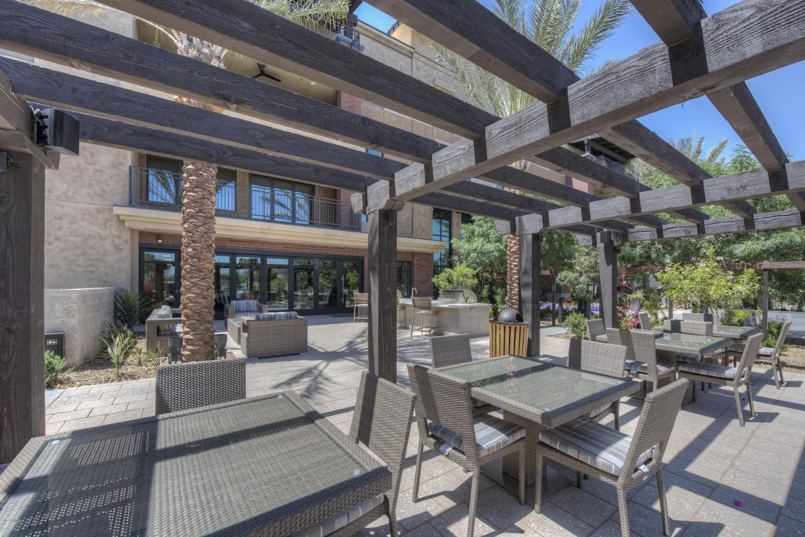 Enclave Outdoor Dining