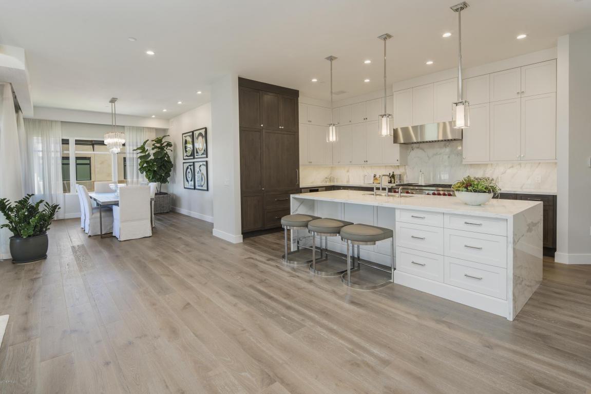 Kitchen-Dining B4004