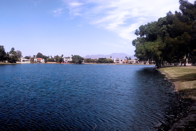 lake-in-scottsdale-az