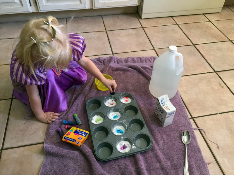 science-experiments-for-three-year-old-kids-photo