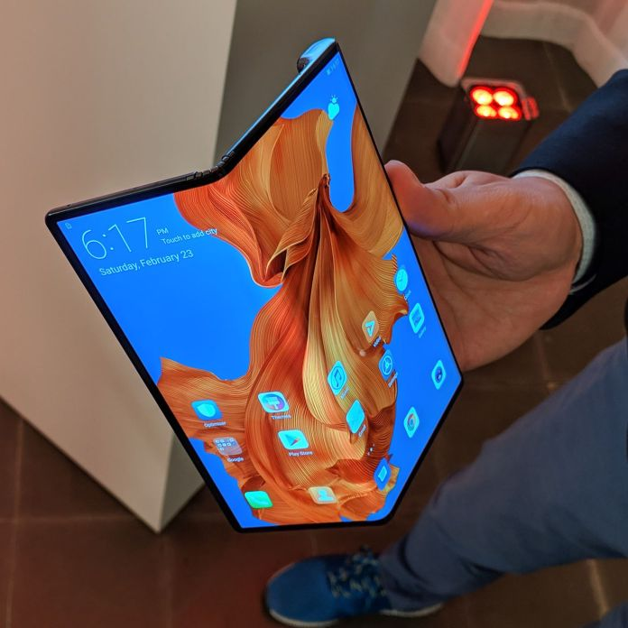 Huawei Mate X foldable phone probably won't come out before November