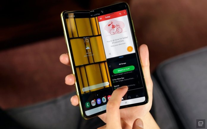 You can once again pre-register to buy the Samsung Galaxy Fold