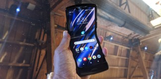 Razr Sharp: Motorola's Retro-Futuristic Foldable Phone Praised