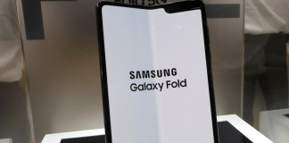 Leaker says Samsung's Galaxy Z Flip might fix the worst thing about the original Fold