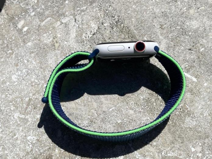 Apple Watch Sport Loop Neon Lime