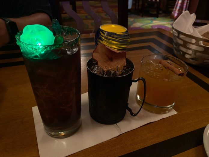harvest-punch-wild-apple-mule-witches-brew-the-wave-of-american-flavors-disneys-contemporary-resort-1