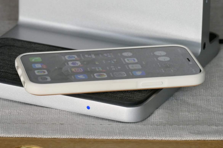 iiPhone 12 Pro charging on the Kensington StudioDock.