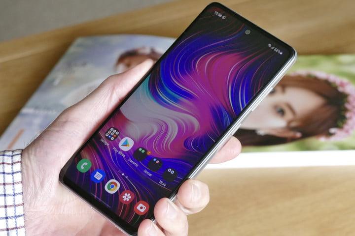 The Samsung Galaxy A52 5G's Screen