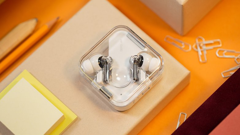 NextPit Nothing Ear 1 case