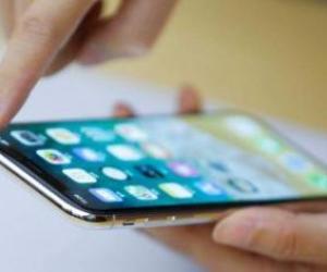 Pakistan entered in 4G Smartphone export market: Dawood