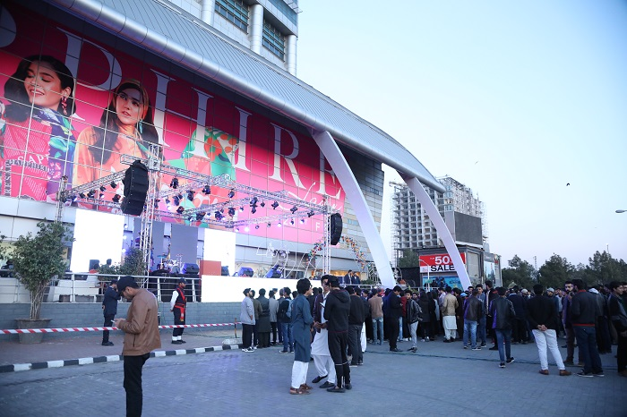 """Honor's Journey """"Packed With Entertainment"""" Asim Azhar's Concert Held in Islamabad on 22nd Feb"""