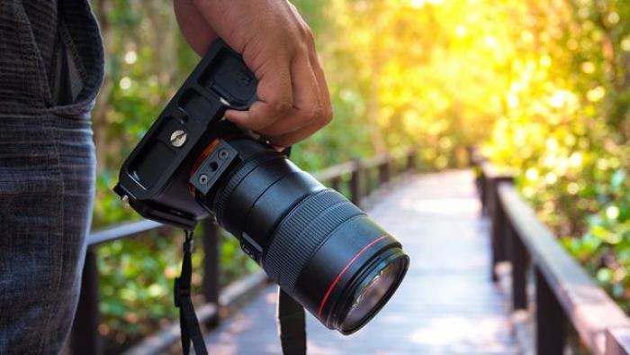 Nikon D850 Vs iPhone X: Merits of a Mobile phone camera and demerits of a DSLR camera:
