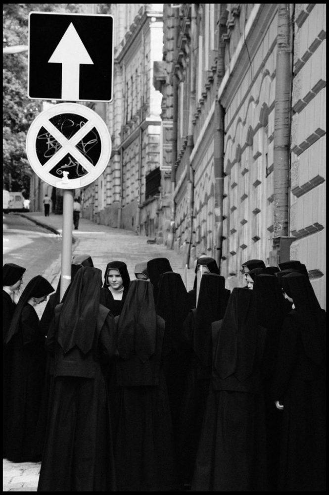 "© Kostya Smolyaninov, from the series ""Street Theography"""