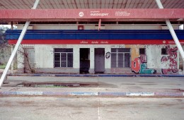 Xavier Aragones gasoline station phosmag photography spain