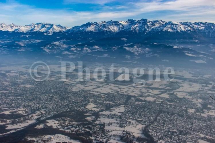 La plaine de l'Isère depuis les falaises de Saint-Eynard