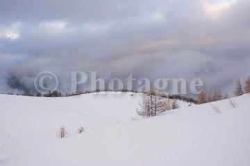 On domine une belle mer de nuages, derrière la cabane de l'Alp !