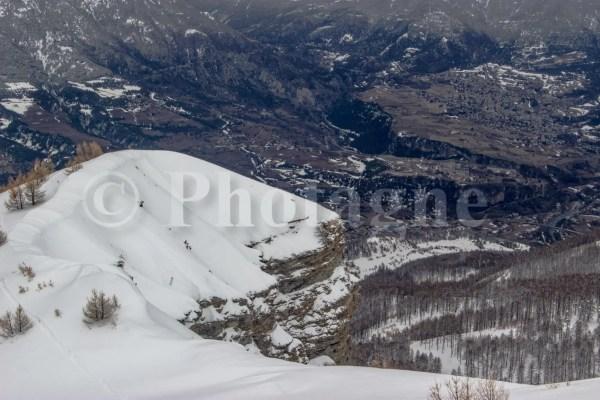 Falaise surplombant la vallée de Guillestre, derrière la tête de Vautisse