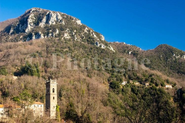 Le village de Sant'Anna devant le Monte Lieto