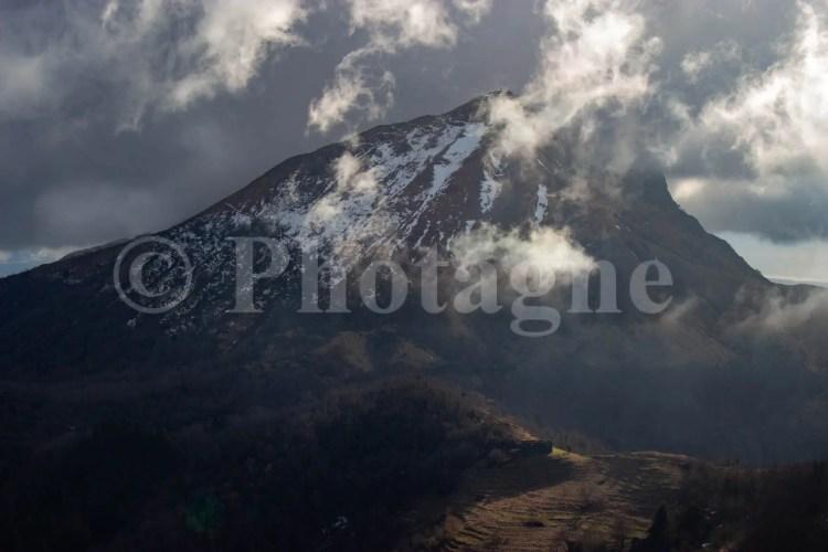 Le Mont Prana sous l'orage