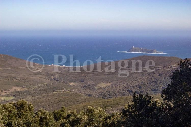 En montant vers Granaggiolo, dans le Cap Corse en bivouac