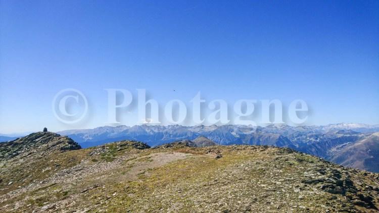 Panorama et crête du Mont Rouge