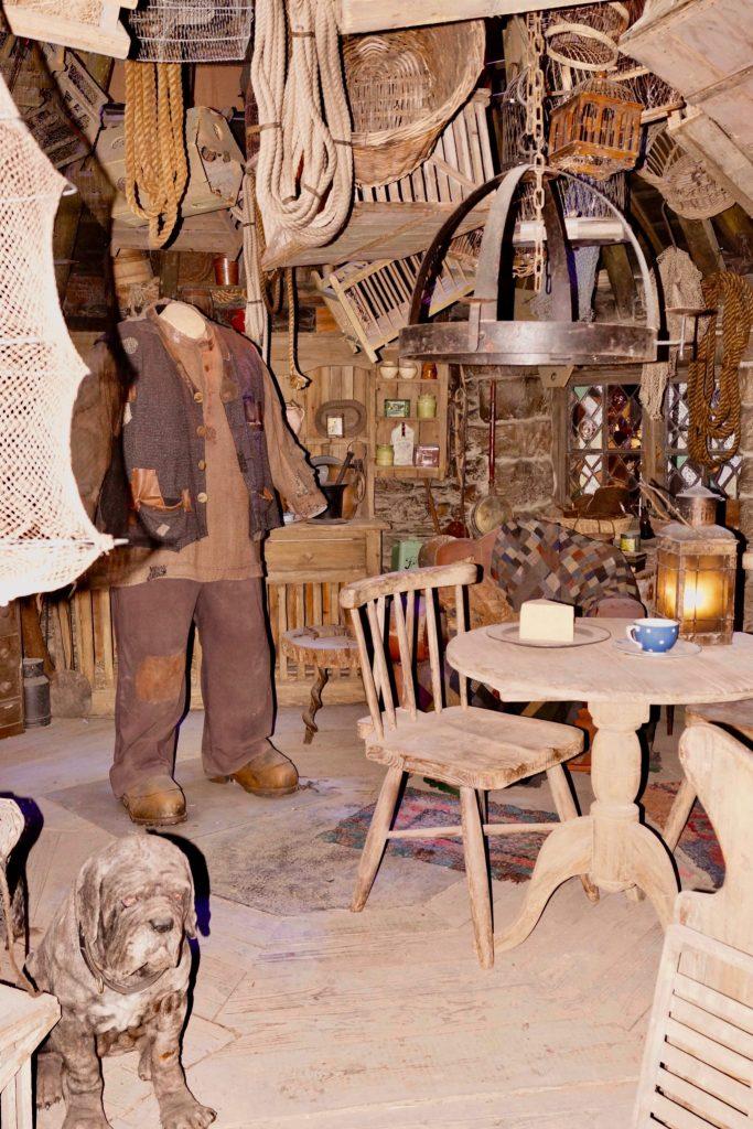 Hagrid's Hut set Harry Potter