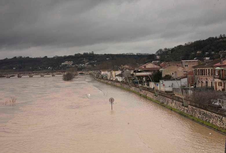 La Garonne est sortie de son lit à Agen ©photo Patrick Clermont