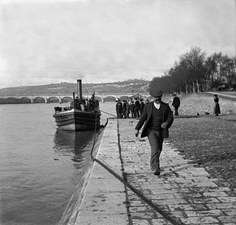 Bateau-Ponton sur la garonne de la ligne Agen-Bordeaux en 1905©photo archive Patrick Clermont