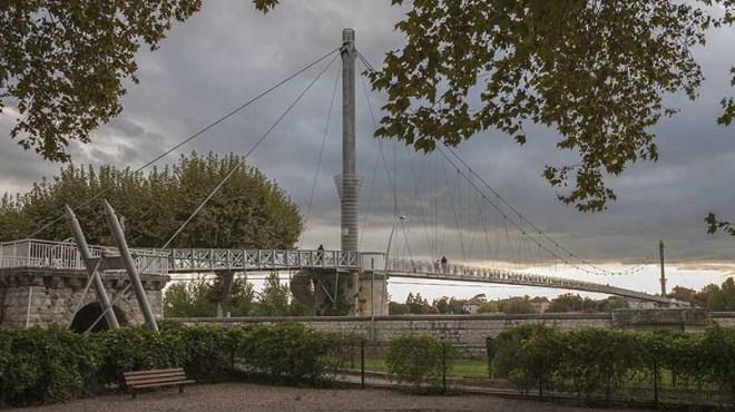 La Passerelle sur la Garonne à Agen en 2016