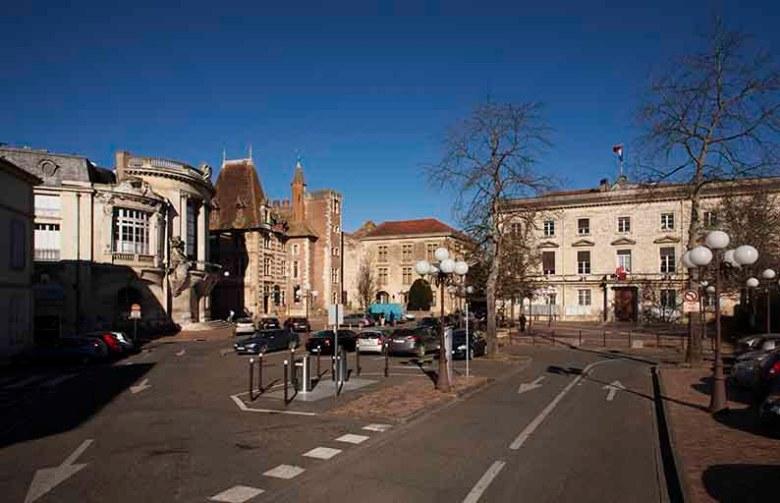 La place-de-la-mairie-en2014