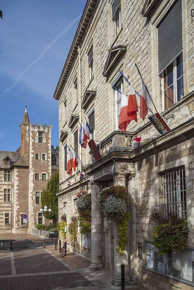La mairie d' Agen