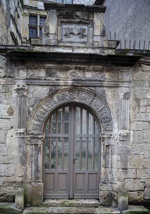 Porte Hôtel de Vaurs rue des Juifs à Agen