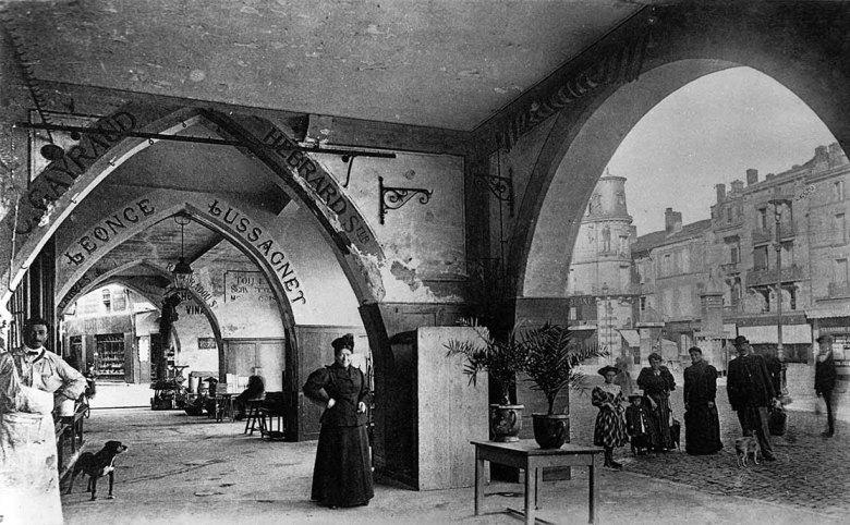 Sous les Cornières d'Agen en 1905