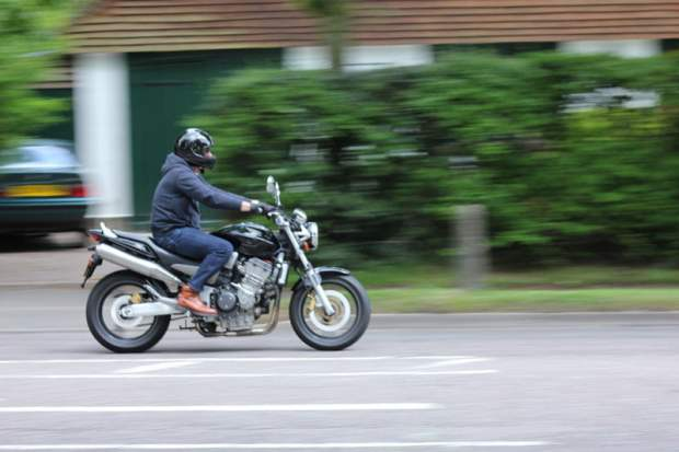 panning photography motorcycle photo