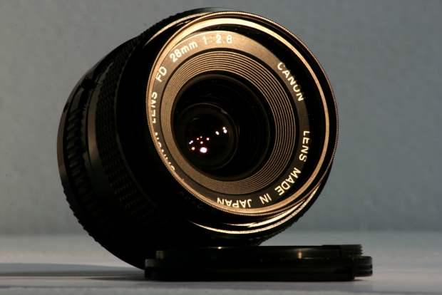 canon 28mm f2.8 lense