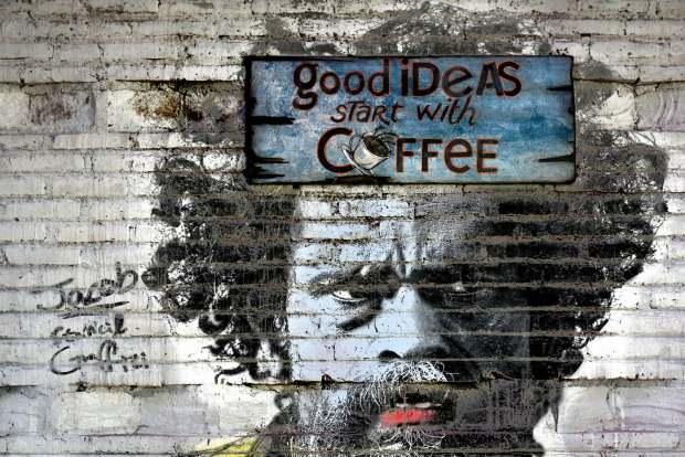 street photo graffiti