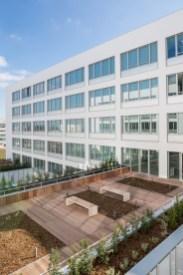 Façade jardin bureau bâtiment Safran design à Toulouse - Architecture Design