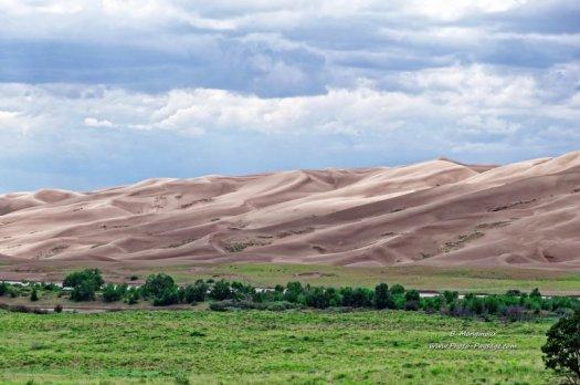 Great Sand Dunes, dans l'Etat du Colorado. Cette immense dune de sable, au pied de la montagne Sangre de Cristo, dans le Colorado, fait plus de 230 mètres de haut.